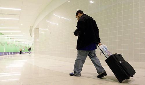 10 dịch vụ không đáng chi tiền trên đường du lịch - Ảnh 2.