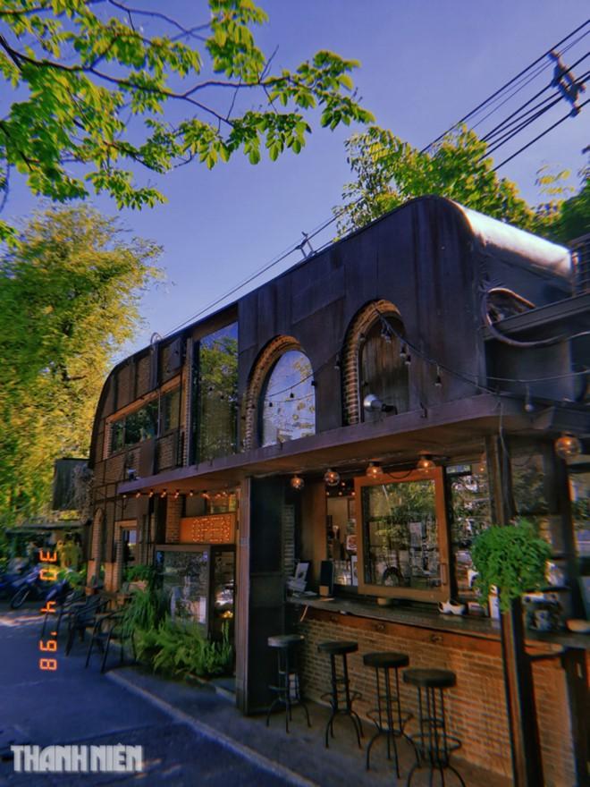 Đi Bangkok lễ 2/9, thử sống chậm ở những quán cà phê có 1 không 2 - Ảnh 9.