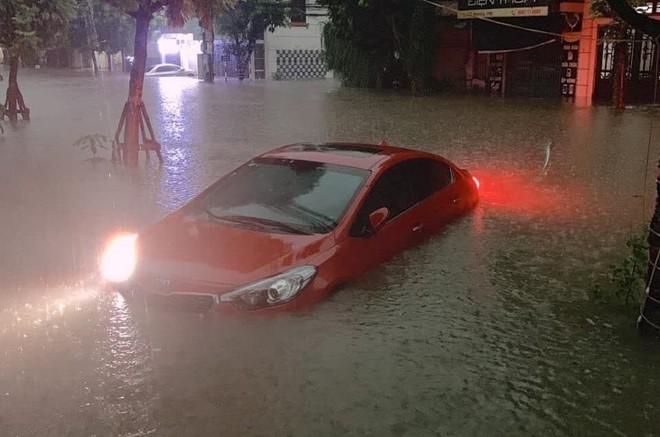 Huy động quân đội ứng cứu sau trận mưa 6 giờ liền ở Thái Nguyên - Ảnh 1.