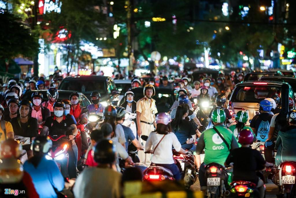 Con đường kẹt triền miên gần 20 năm ở phía đông Sài Gòn - Ảnh 14.