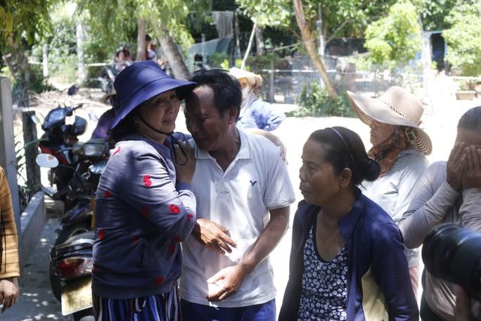 Ly kỳ chuyện cá heo chỉ đường cứu 41 ngư dân Quảng Nam thoát chết - Ảnh 2.