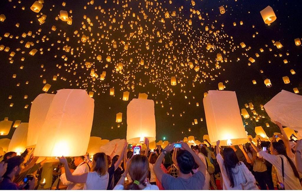 Tháng 11, Thái Lan hóa miền cổ tích trong lễ hội thả đèn trời - Ảnh 3.
