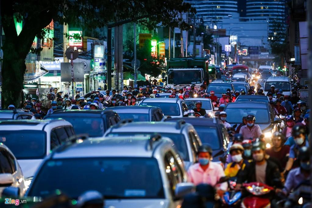 Con đường kẹt triền miên gần 20 năm ở phía đông Sài Gòn - Ảnh 6.