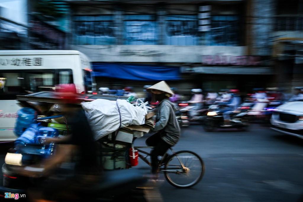 Con đường kẹt triền miên gần 20 năm ở phía đông Sài Gòn - Ảnh 8.