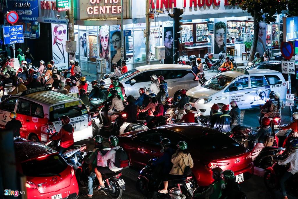 Con đường kẹt triền miên gần 20 năm ở phía đông Sài Gòn - Ảnh 9.