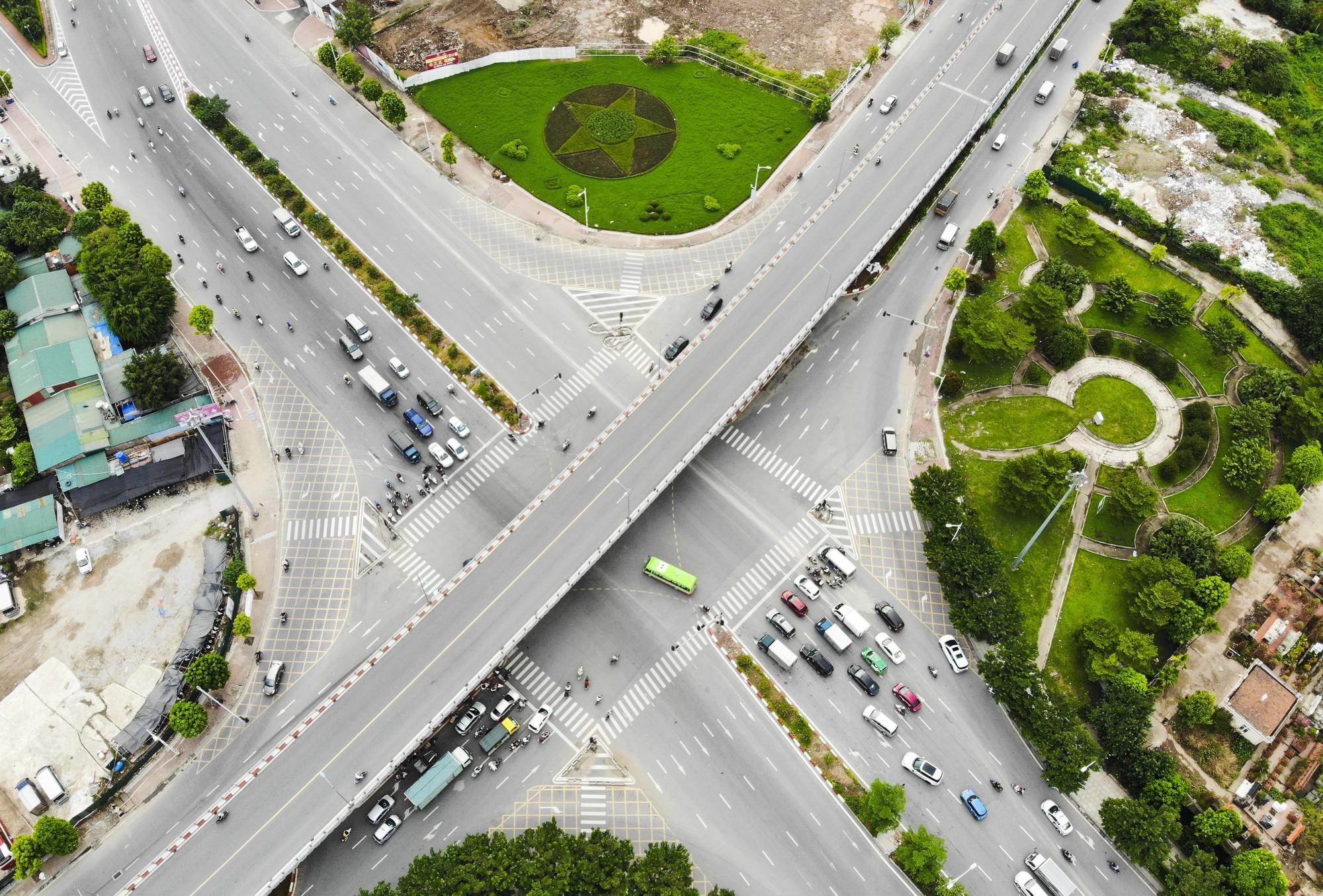 Những giao lộ khổng lồ thay đổi diện mạo cửa ngõ Thủ đô - Ảnh 14.