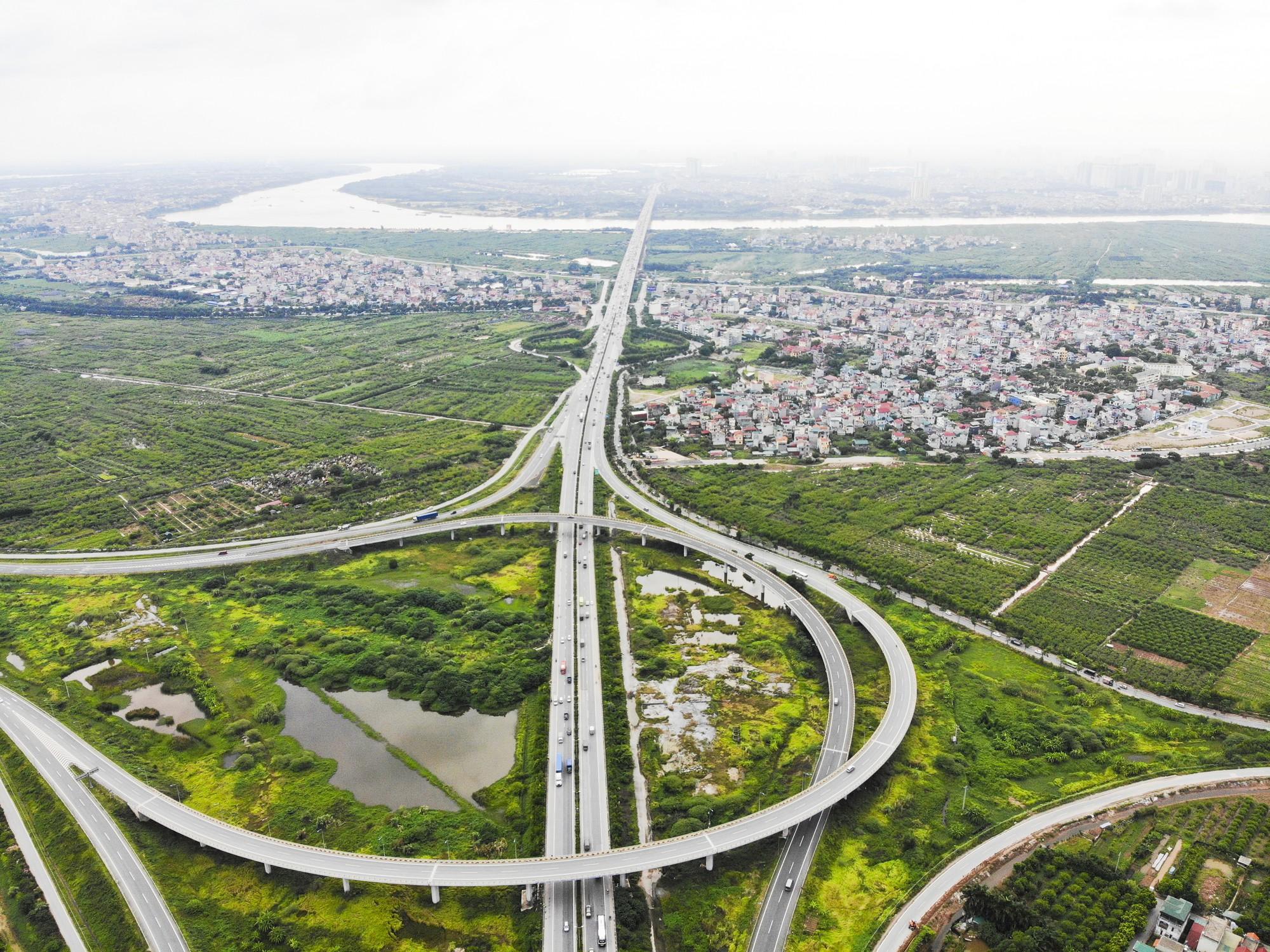 Những giao lộ khổng lồ thay đổi diện mạo cửa ngõ Thủ đô - Ảnh 5.