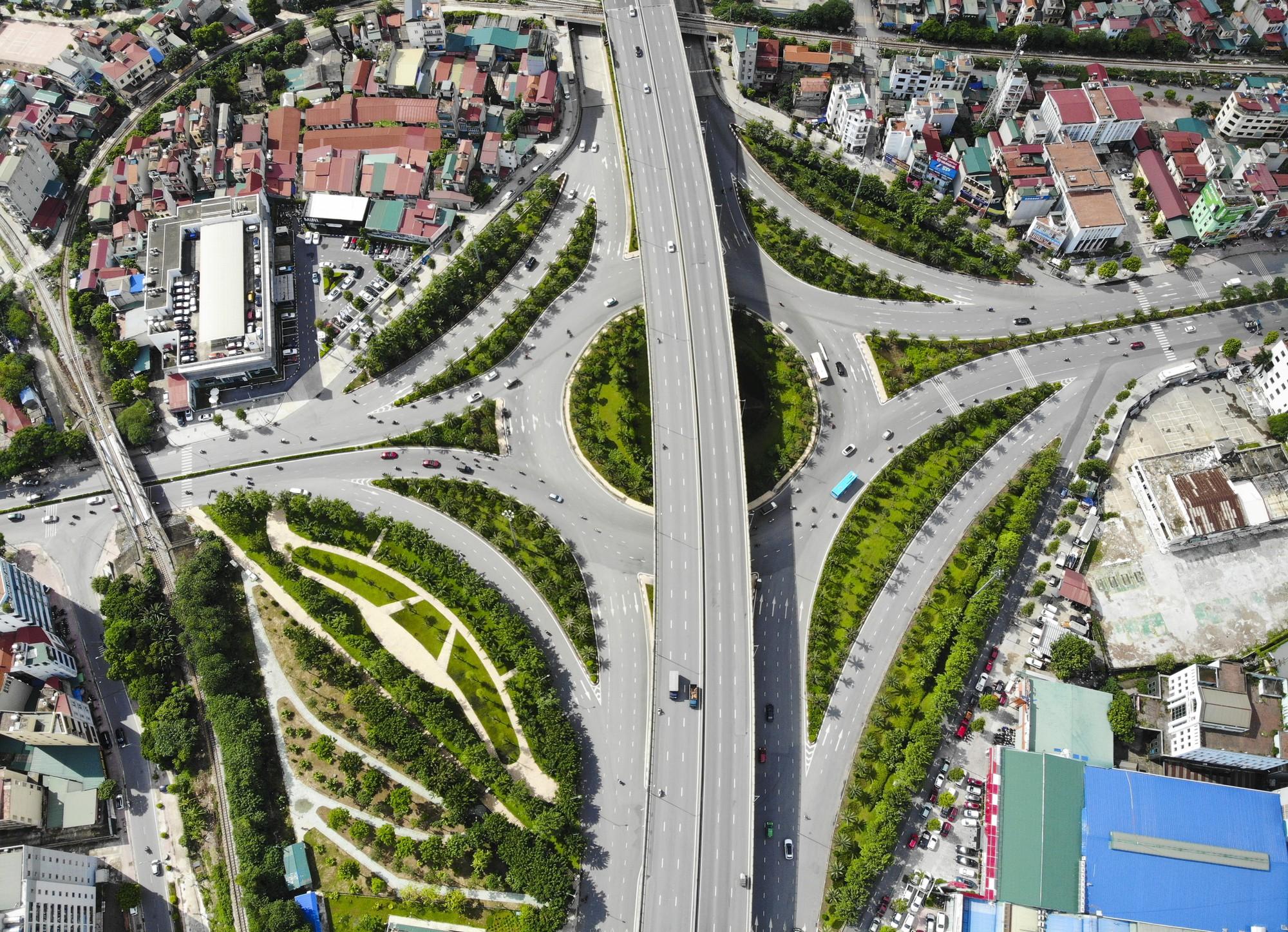 Những giao lộ khổng lồ thay đổi diện mạo cửa ngõ Thủ đô - Ảnh 6.