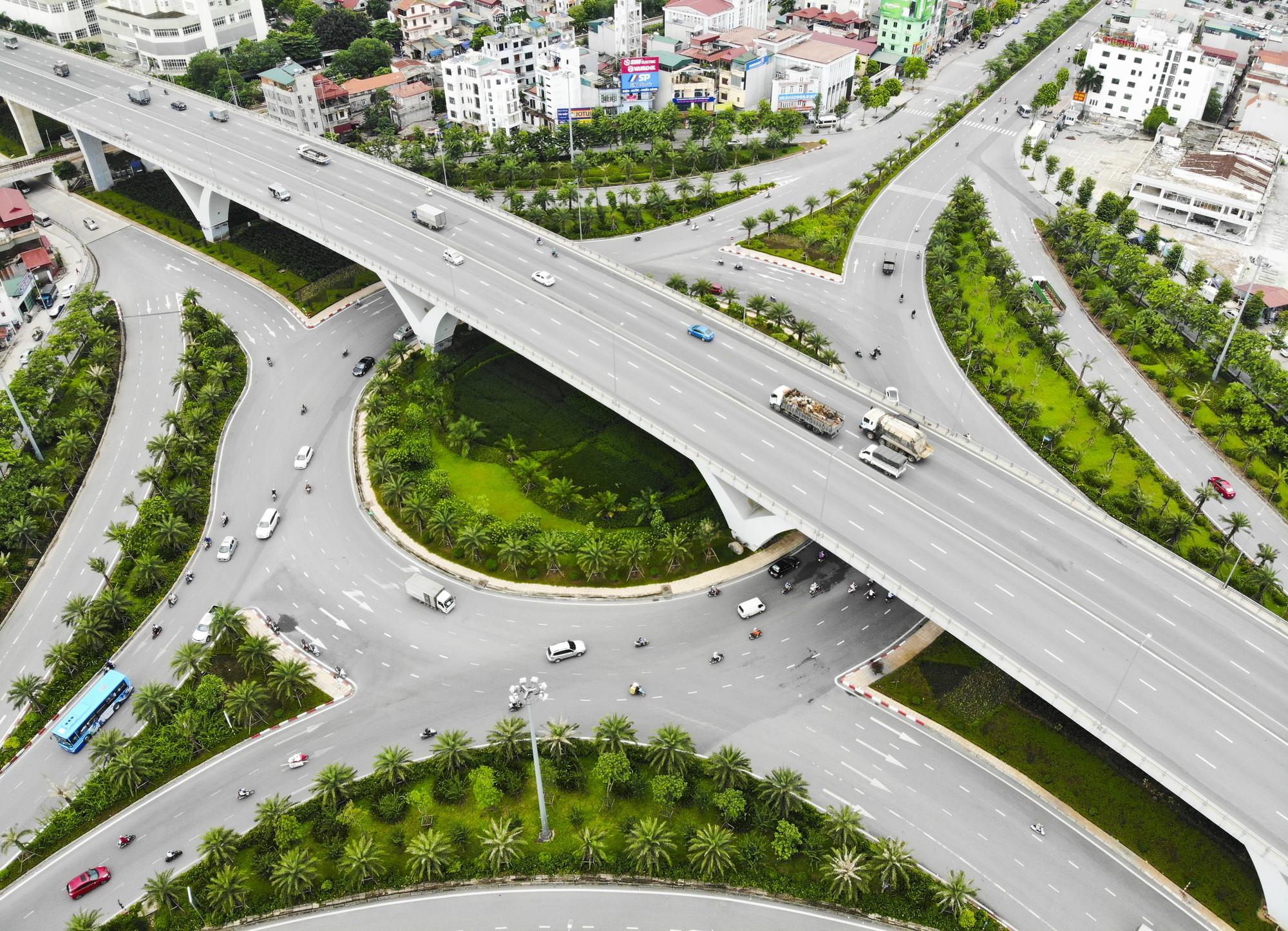 Những giao lộ khổng lồ thay đổi diện mạo cửa ngõ Thủ đô - Ảnh 7.