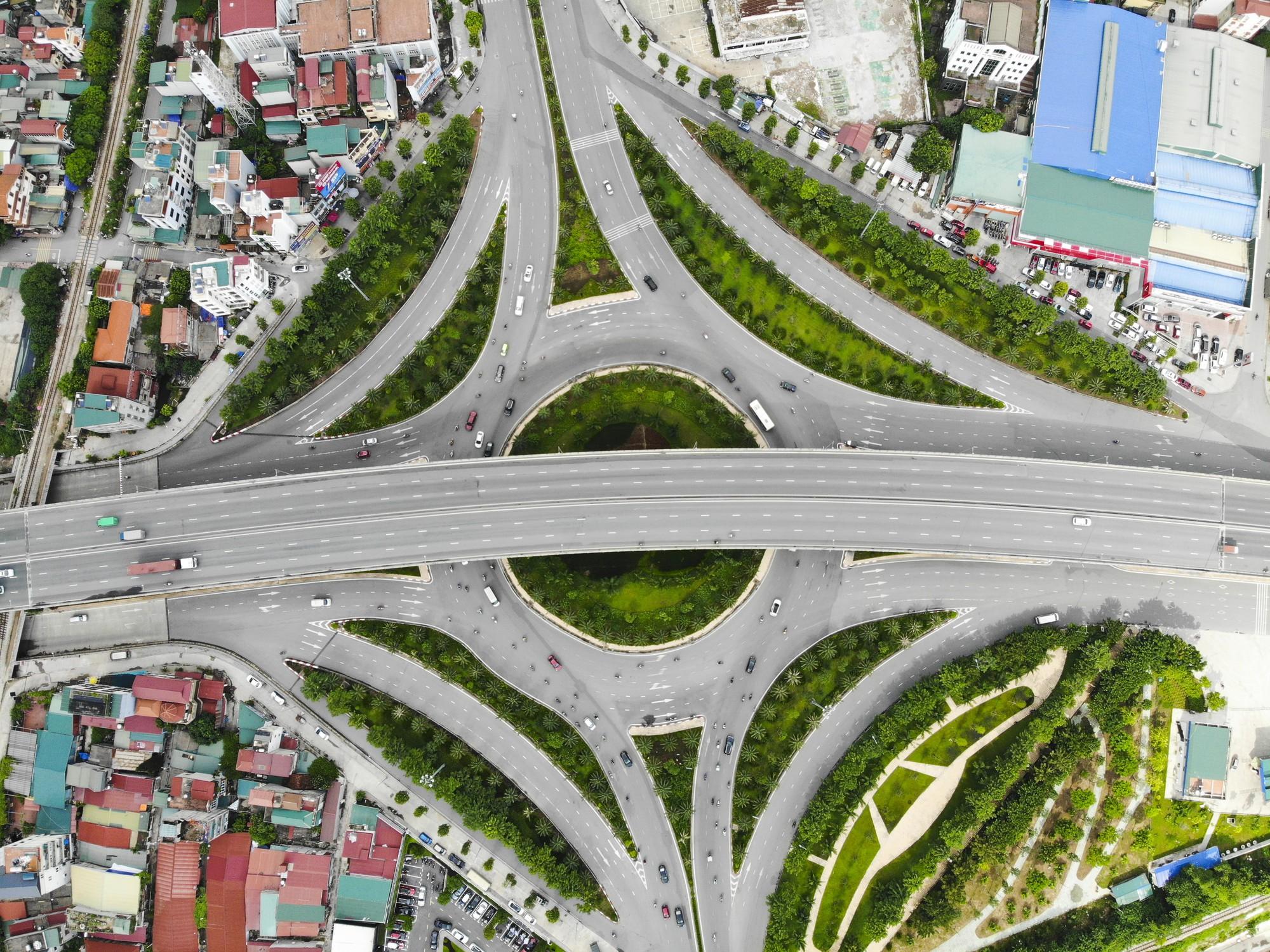 Những giao lộ khổng lồ thay đổi diện mạo cửa ngõ Thủ đô - Ảnh 8.