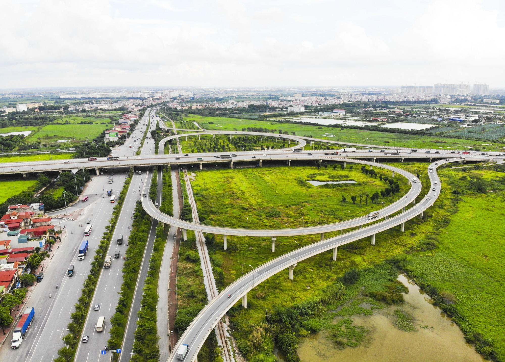 Những giao lộ khổng lồ thay đổi diện mạo cửa ngõ Thủ đô - Ảnh 9.
