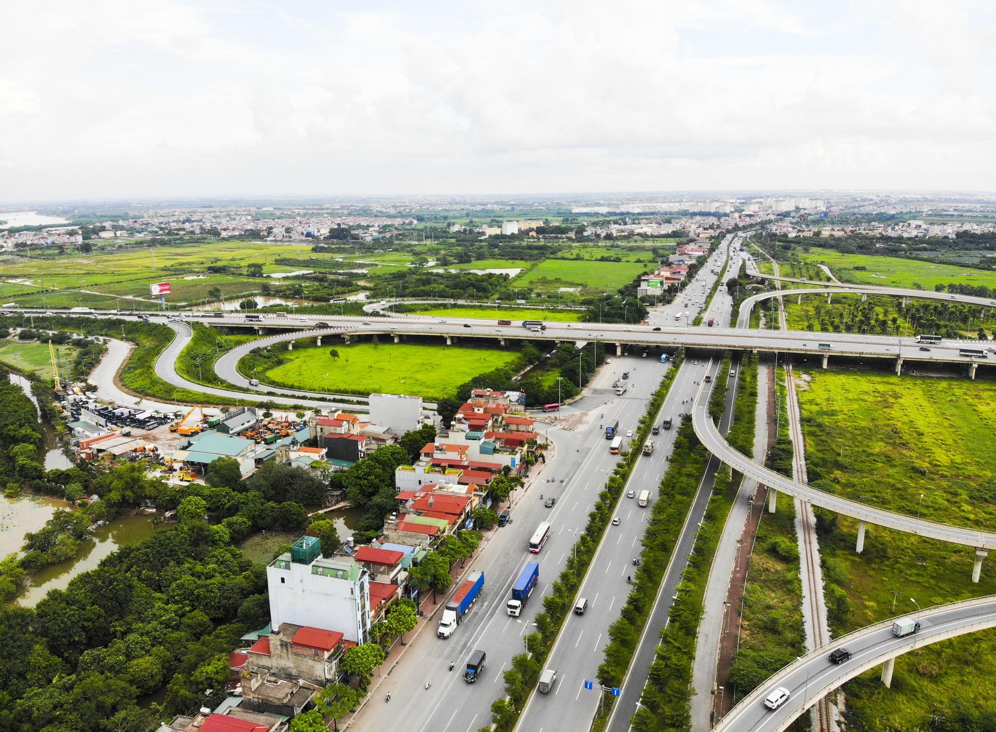 Những giao lộ khổng lồ thay đổi diện mạo cửa ngõ Thủ đô - Ảnh 10.