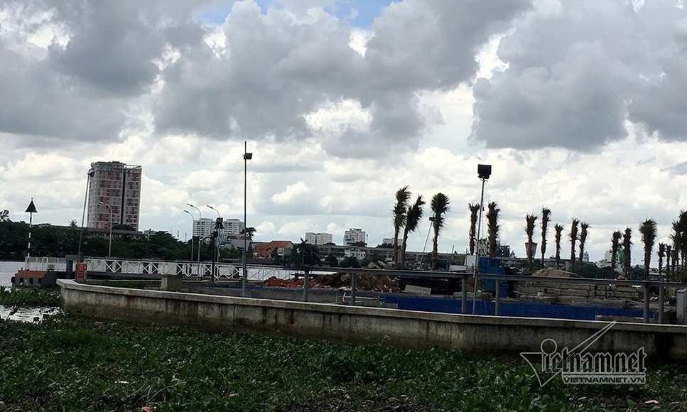 Cận cảnh hành lang bảo vệ sông Sài Gòn bị 'độc chiếm' - Ảnh 7.