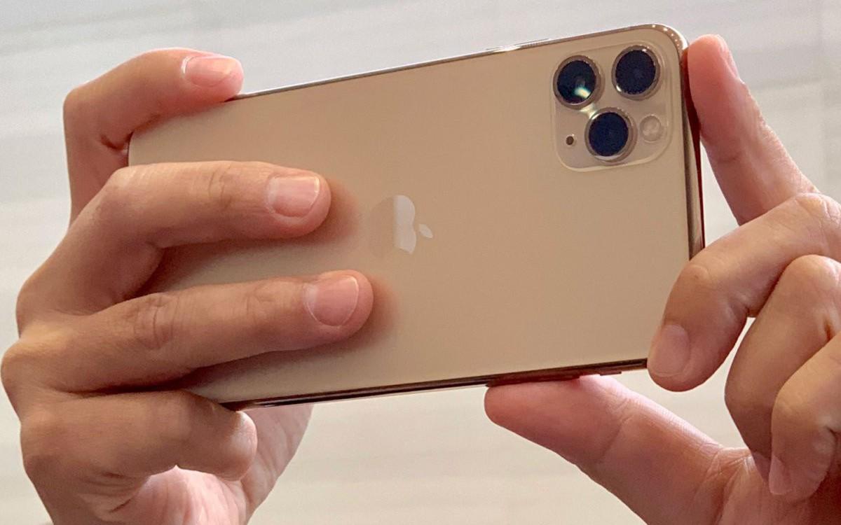 Giá iPhone 11 xách tay đua nhau nhảy múa khi nhiều chuỗi bán lẻ tung ưu đãi sốc