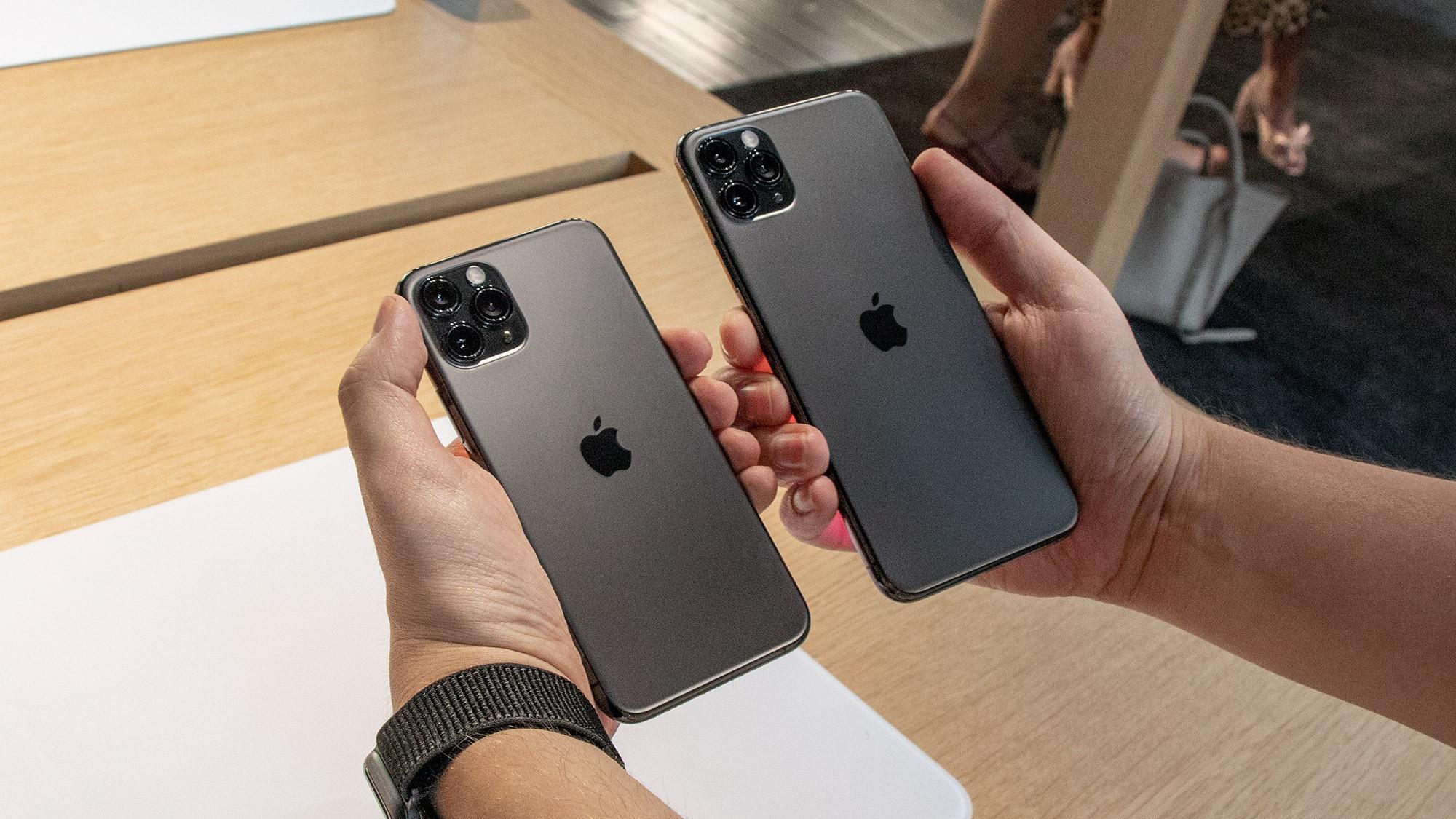 gia-iphone-11-xach-tay-dua-nhau-nhay-mua-2