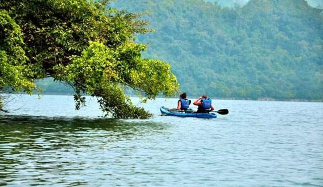 10 địa điểm hấp dẫn trong nước nên đi du lịch vào mùa thu với chi phí thấp - Ảnh 4.