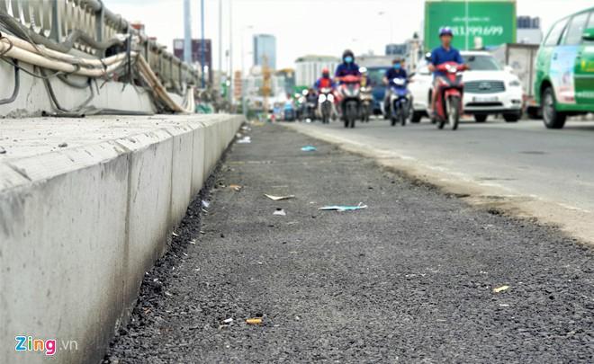 Cầu Kênh Tẻ mở rộng thêm 2 m, dân Nam Sài Gòn có thoát cảnh kẹt xe? - Ảnh 2.