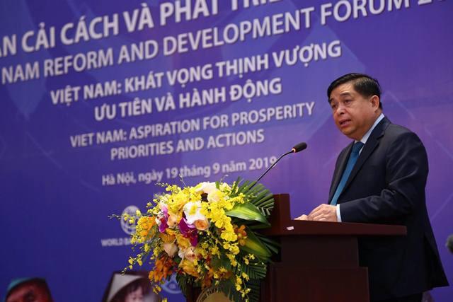 Bộ trưởng Nguyễn Chí Dũng thẳng thắn chỉ ra 'khiếm khuyết' của kinh tế Việt Nam - Ảnh 1.