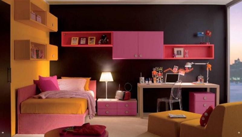 Căn phòng của trẻ được thiết kế bằng gam màu sặc sỡ - Ảnh 5.