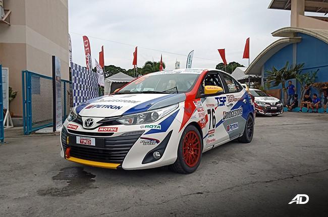 Toyota Vios phiên bản xe đua tung ra thị trường - Ảnh 2.