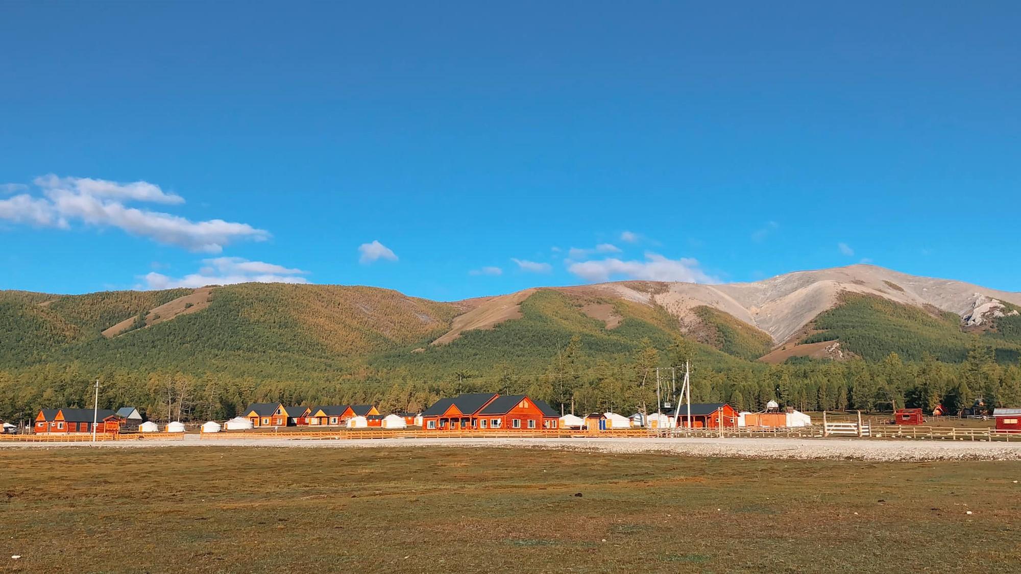 Mông Cổ đẹp say lòng trong chuyến đi tuổi trẻ của 9X - Ảnh 2.