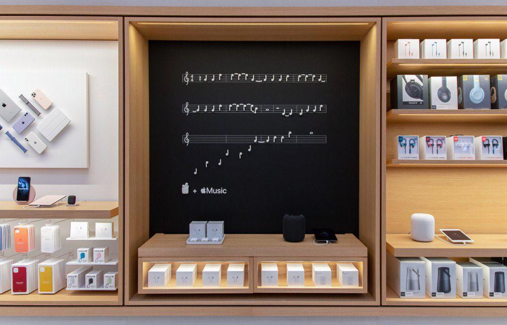 """Bên trong Apple Store Fifth Avenue """"huyền thoại"""" ngày mở cửa trở lại - Ảnh 6."""