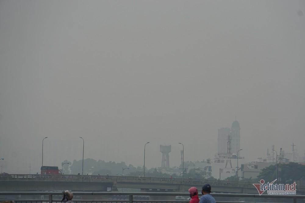 Sương mù ở Sài Gòn có thể do ô nhiễm không khí nặng - Ảnh 6.