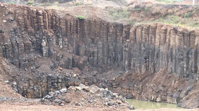 Độc đáo 'Gành Đá Đĩa' trên núi ở Phú Yên với kết cấu địa chất đặc biệt - Ảnh 4.