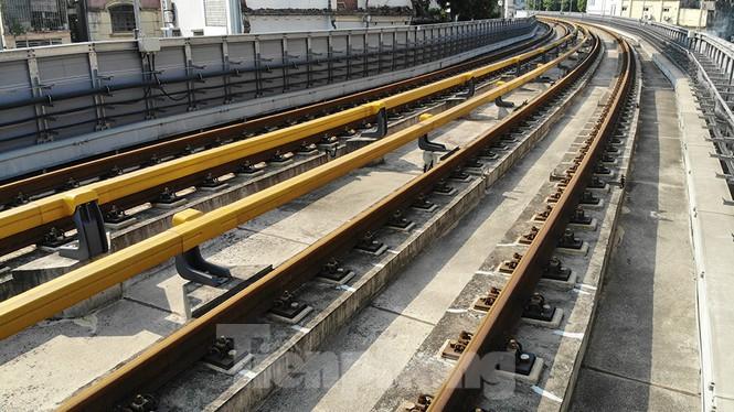 Cận cảnh đường sắt xây dựng hơn một thập kỉ, đội vốn hơn 18 nghìn tỉ - Ảnh 7.