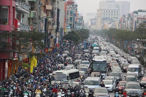 Chuyên gia gốc Việt hiến kế cho xe buýt Hà Nội - Ảnh 1.