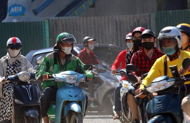 Cách chọn khẩu trang trong những ngày không khí ô nhiễm nặng - Ảnh 1.