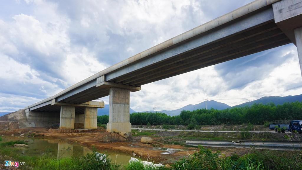 Cao tốc nửa tỉ USD nối Đà Nẵng, Huế mờ mịt ngày thông xe - Ảnh 12.