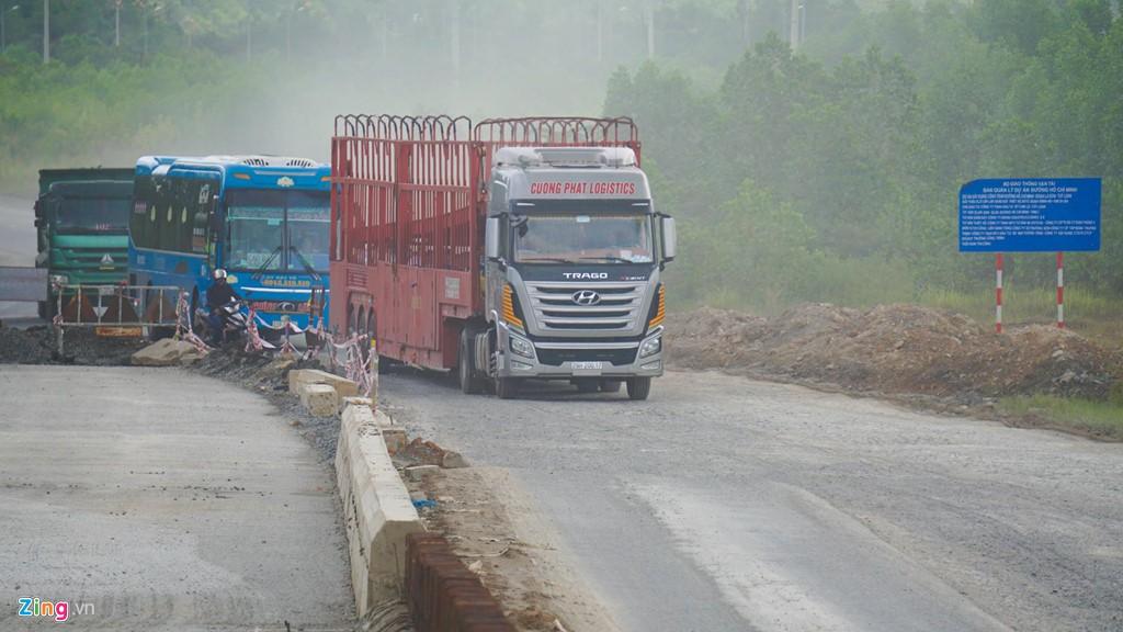 Cao tốc nửa tỉ USD nối Đà Nẵng, Huế mờ mịt ngày thông xe - Ảnh 13.