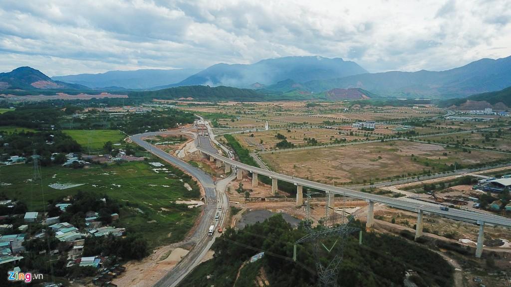 Cao tốc nửa tỉ USD nối Đà Nẵng, Huế mờ mịt ngày thông xe - Ảnh 5.