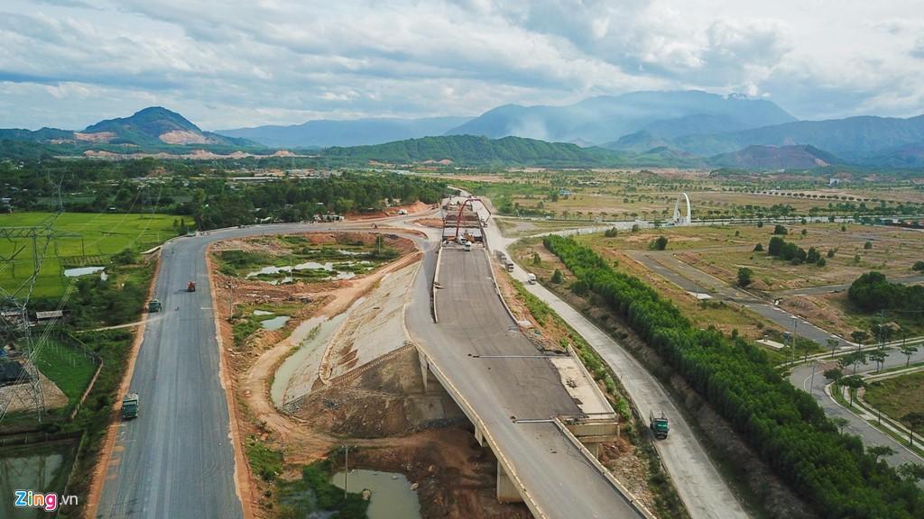 Cao tốc nửa tỉ USD nối Đà Nẵng, Huế mờ mịt ngày thông xe - Ảnh 9.
