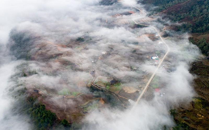 Ngỡ ngàng trước 7 điểm săn mây vạn người mê tại Sapa trong tháng 10 - Ảnh 10.