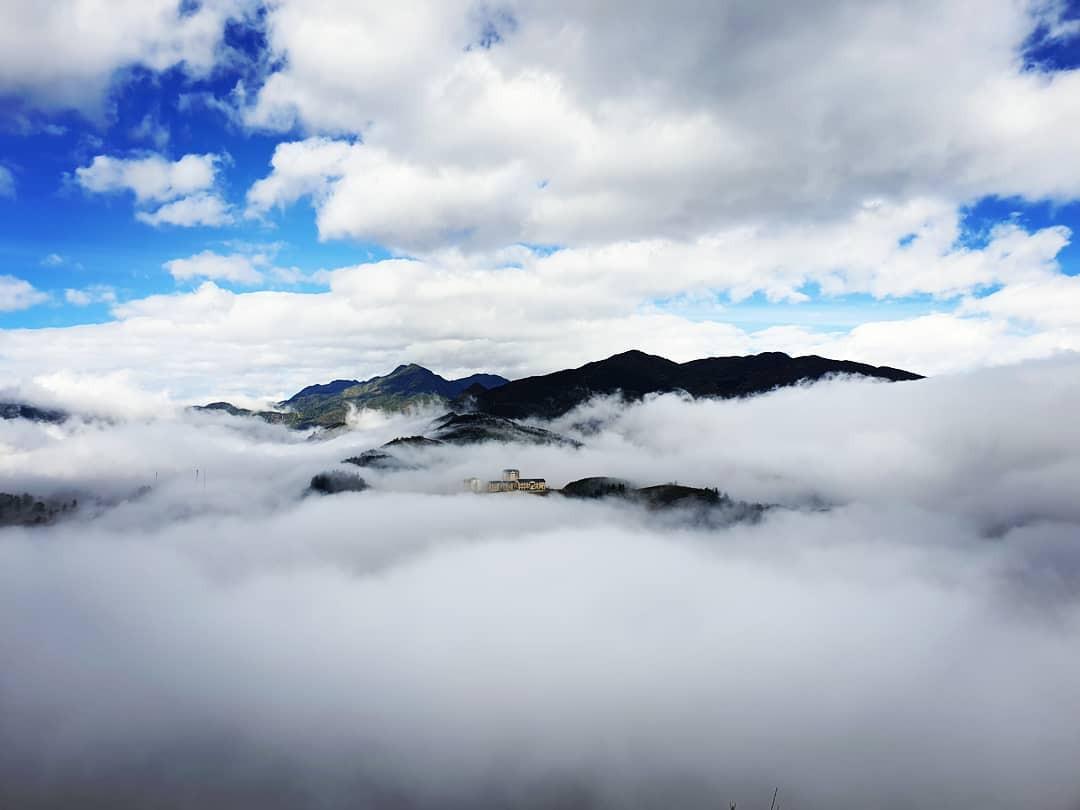 Ngỡ ngàng trước 7 điểm săn mây vạn người mê tại Sapa trong tháng 10 - Ảnh 6.