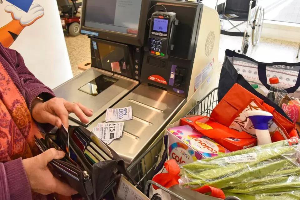 16 mẹo nằm lòng để tránh nhẵn túi khi mua sắm ở siêu thị - Ảnh 2.