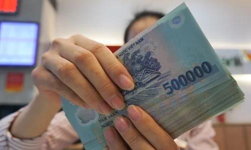 Nhân viên chi trăm triệu 'ôm' trái phiếu cho ngân hàng - Ảnh 1.