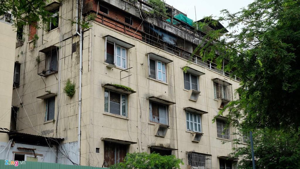 Điểm danh những chung cư sắp sập tại TP HCM - Ảnh 6.