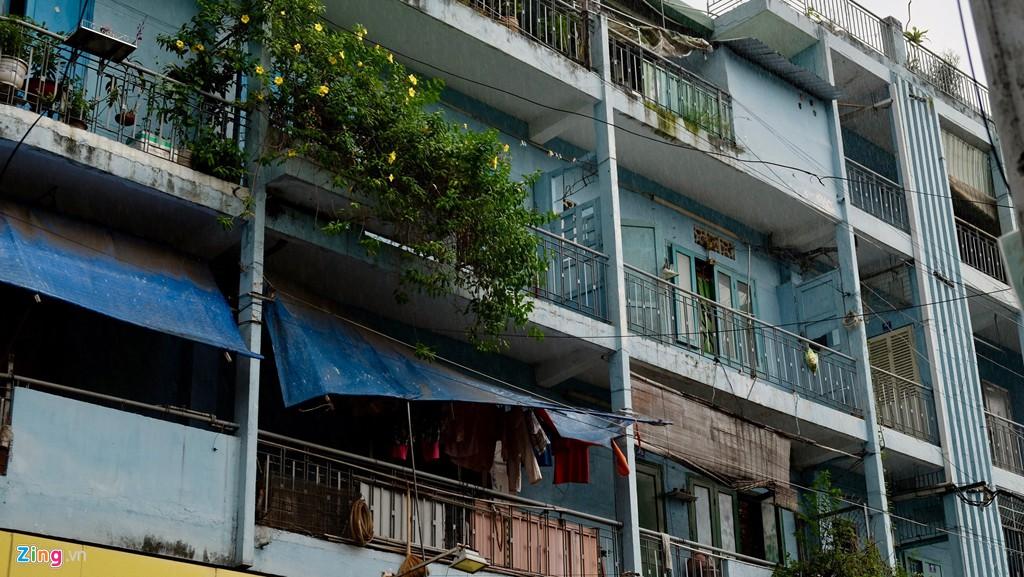 Điểm danh những chung cư sắp sập tại TP HCM - Ảnh 9.