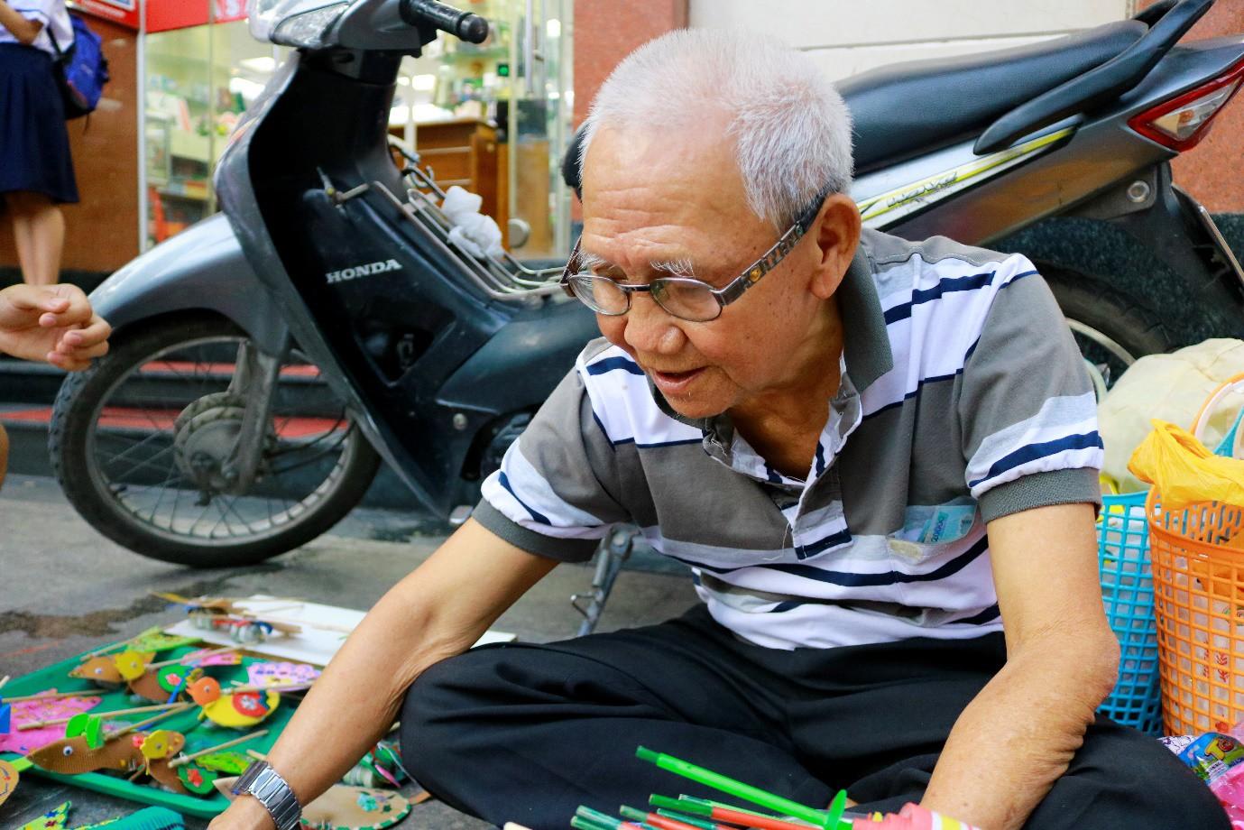 Mr Mouse và 'vườn thú' đầy màu sắc giữ tuổi thơ cho trẻ con Sài Gòn - Ảnh 1.