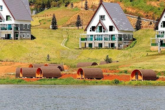 Điểm mặt doanh nghiệp phá hoại hồ nước đẹp nhất Đà Lạt - Ảnh 3.