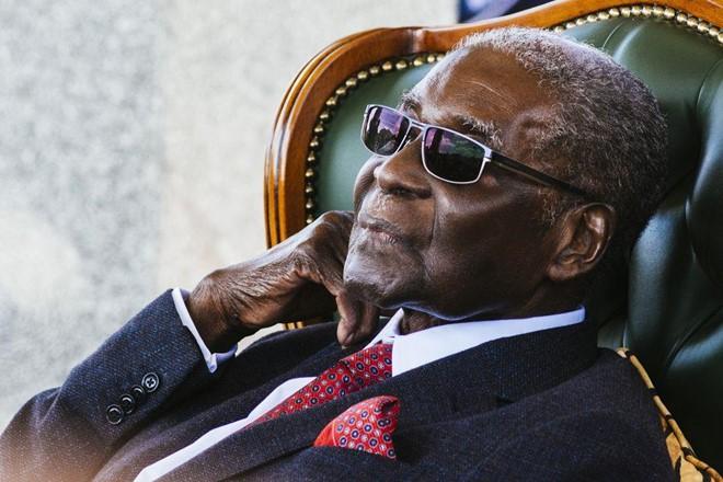 Cựu Tổng thống Zimbabwe Robert Mugabe giàu có cỡ nào? - Ảnh 1.
