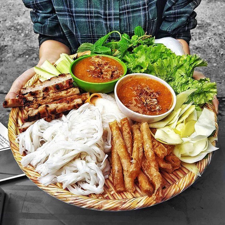 Những món ăn vặt ngon nức tiếng tại Nha Trang du khách không nên bỏ lỡ - Ảnh 1.