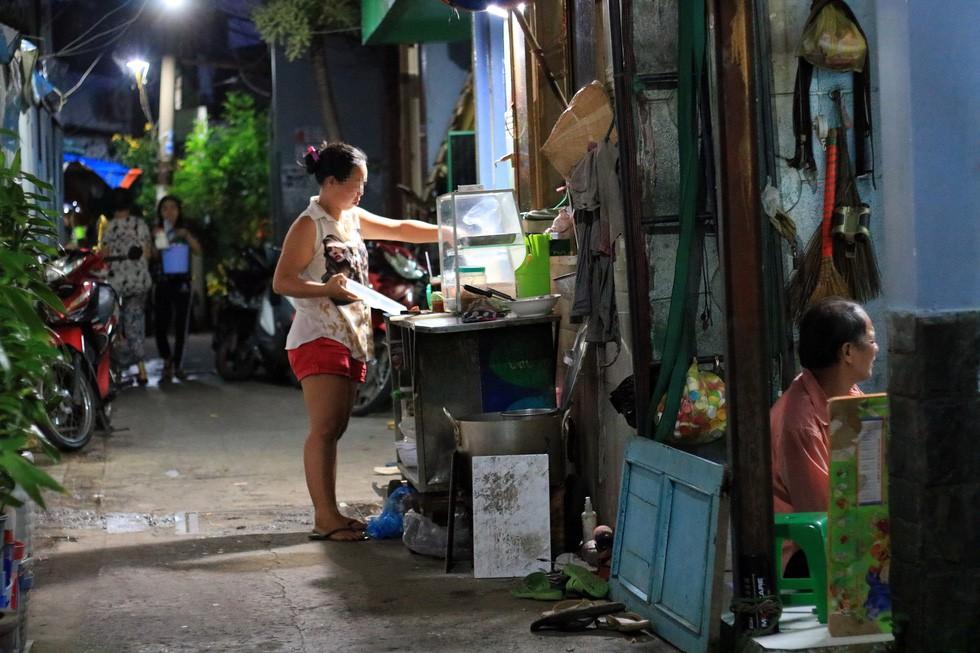 Thiệt khó tin khi Sài Gòn có những con hẻm một người - Ảnh 7.