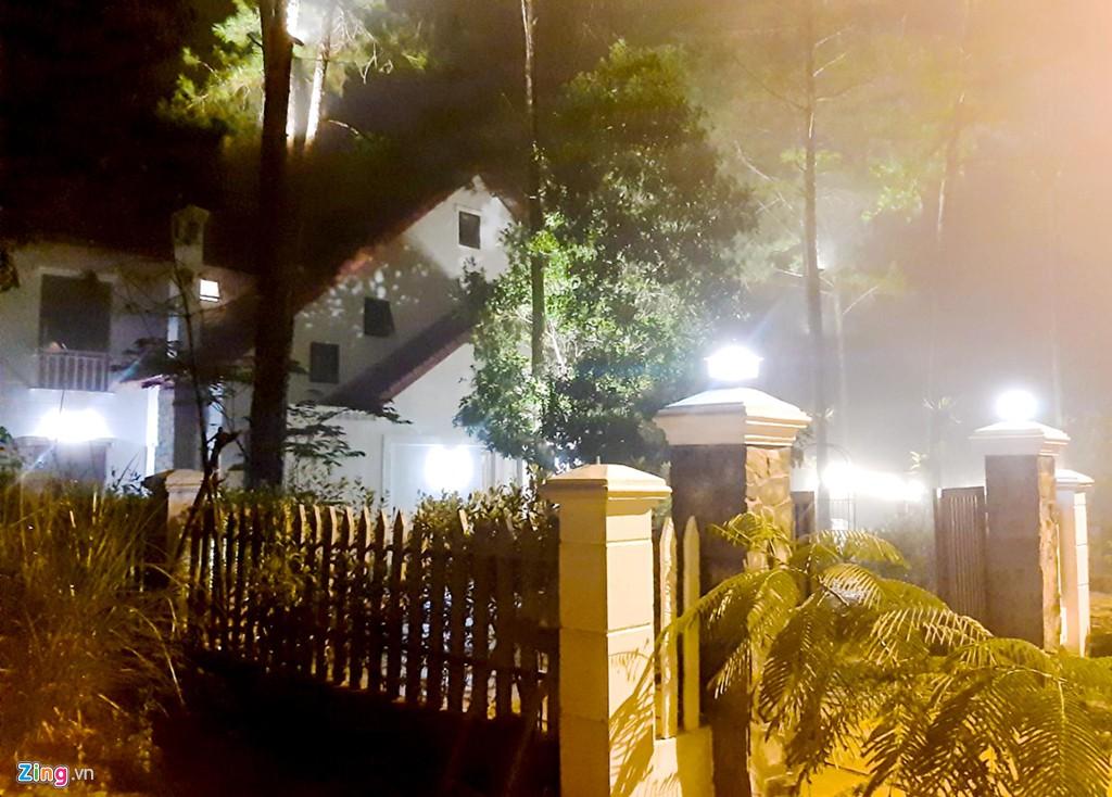Làng biệt thự Măng Đen hồi sinh sau 10 năm bỏ hoang - Ảnh 10.