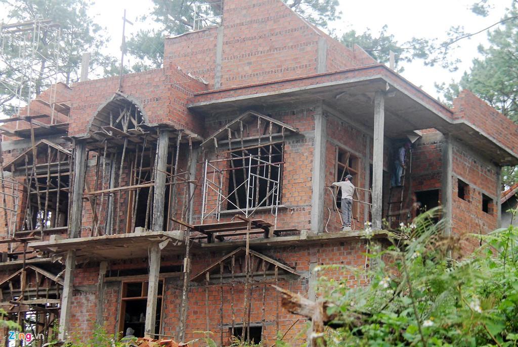Làng biệt thự Măng Đen hồi sinh sau 10 năm bỏ hoang - Ảnh 3.