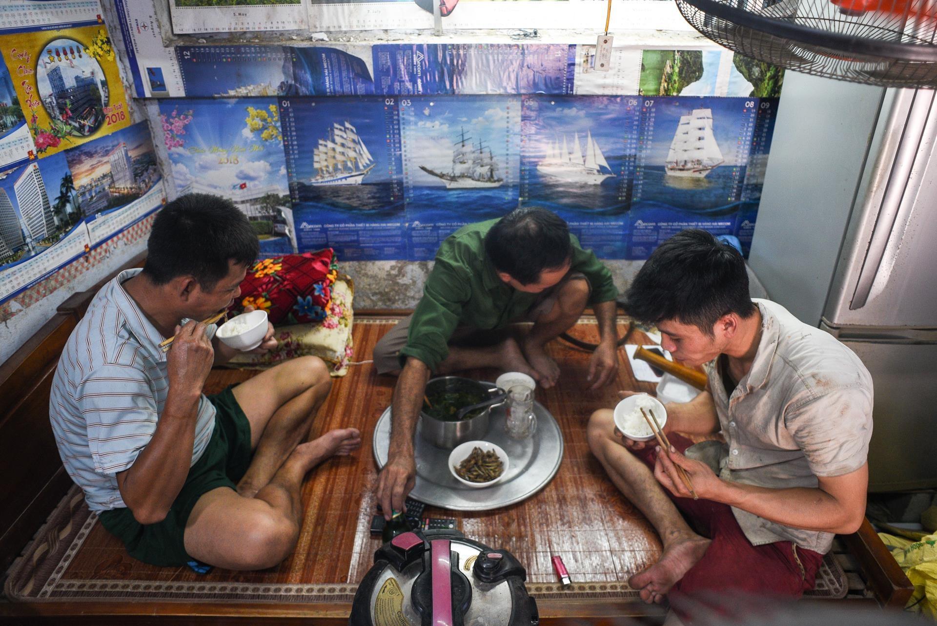 Cuoc thao chay khoi noi xay ra tham hoa Rang Dong hinh anh 32
