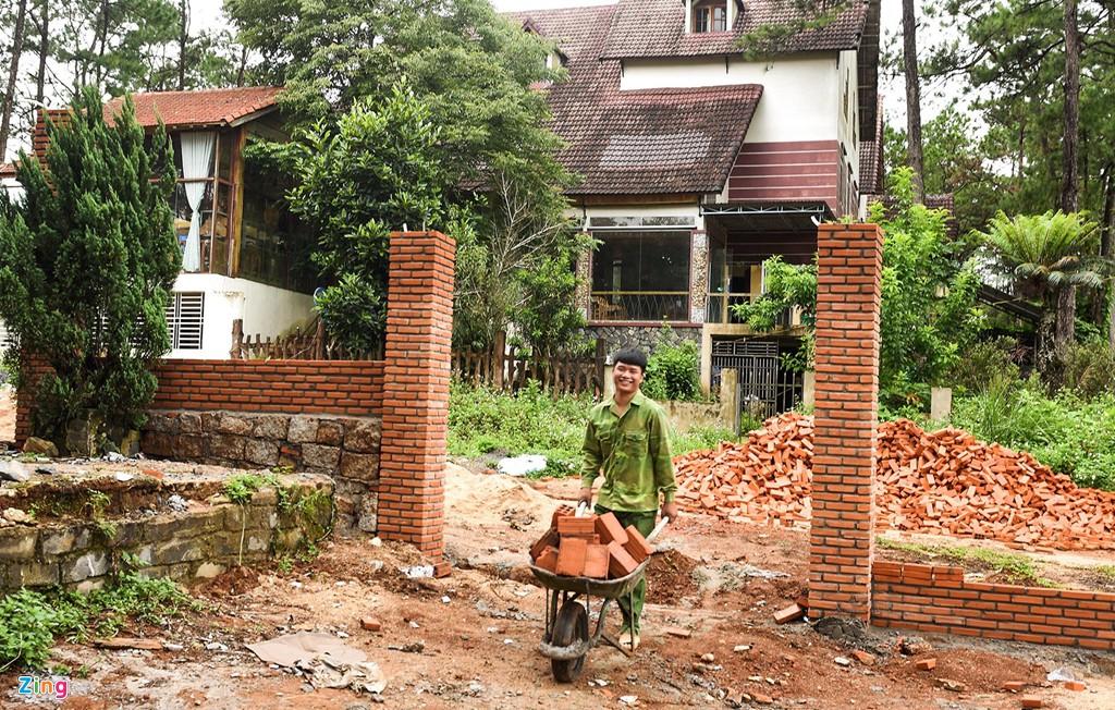 Làng biệt thự Măng Đen hồi sinh sau 10 năm bỏ hoang - Ảnh 4.